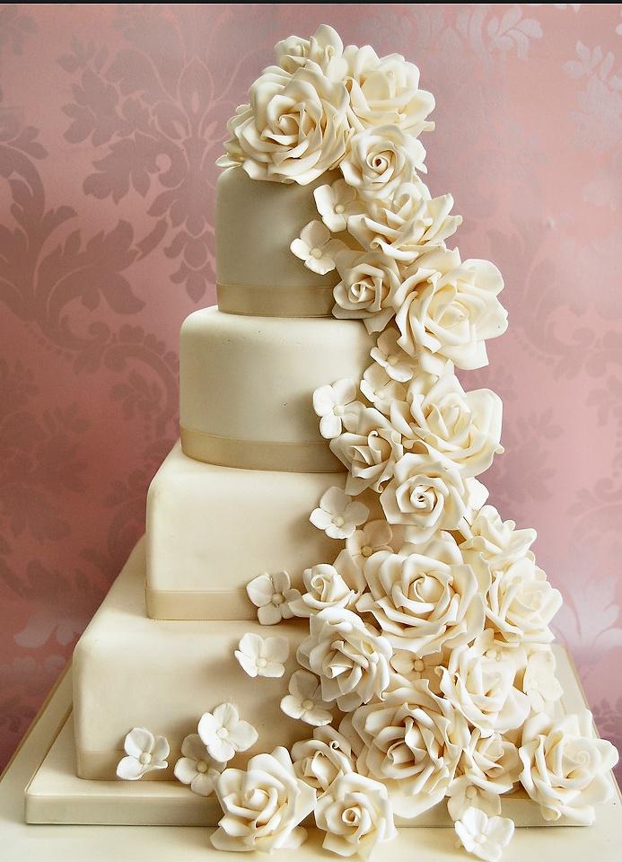pice monte cascade de roses blanches - Piece Mont Mariage