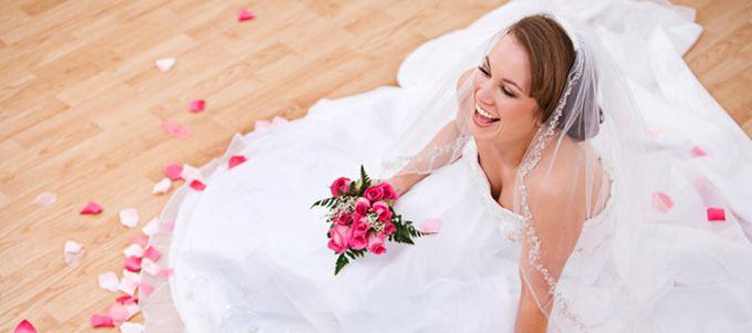Il ne faut pas forcément souffrir pour être belle. Quatre astuces pour être confortable dans sa robe le Jour J.