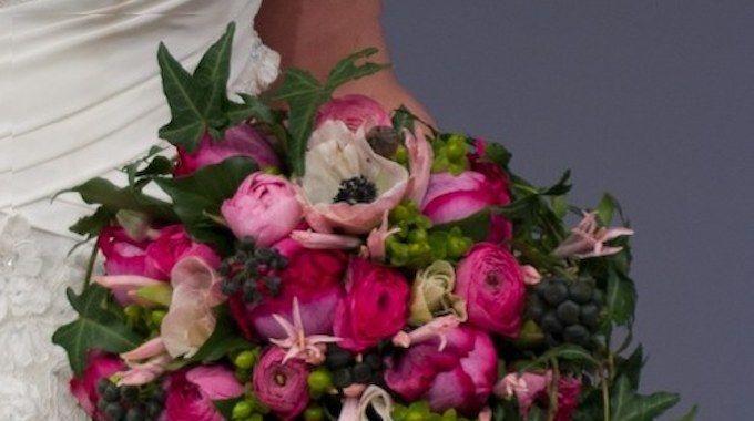 Le bouquet de mariée, ça se personnalise: la forme, les fleurs, les couleurs, c'est vous qui choisissez. Voici quelques images qui pourront vous éclaircir les idées.