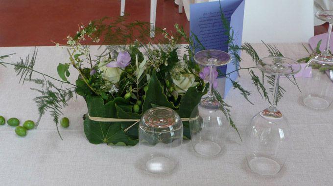 À table, le plaisir des sens est magnifié par des créations florales étonnantes et tellement poétiques, où senteurs et saveurs sont suscitées...