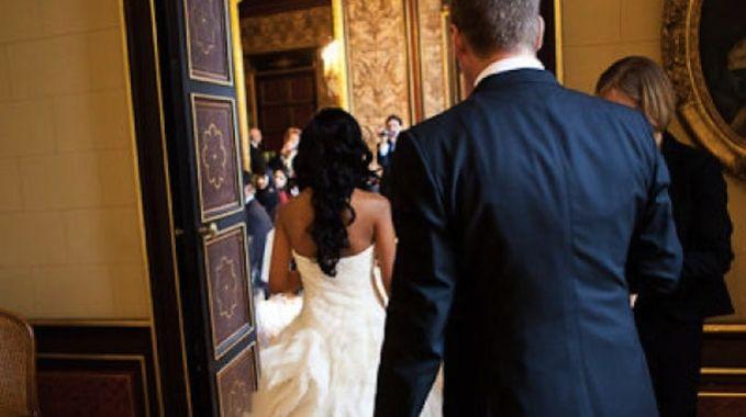 Le traditionnel Major de table est une aide importante dans l'organisation et l'animation du jour J. Voici quelques indications utiles tant pour les futurs mariés que pour la personne qui endossera ce rôle.