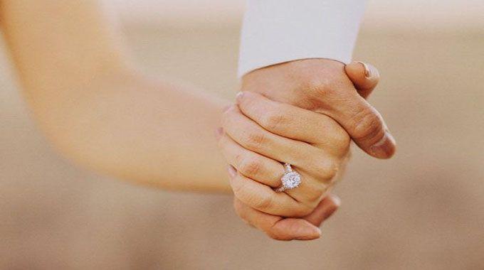 Quels sont les effets juridiques du mariage? Qu'en est-il du nom de famille? Vous trouvez toutes les informations à ce propos dans cet article.