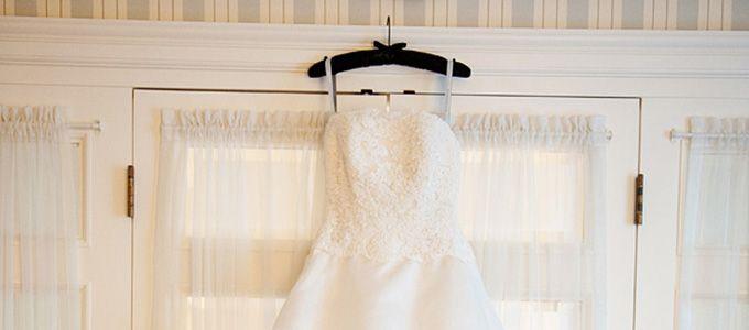 Une fois le jour du mariage passé, il nous reste la robe de mariée comme la chaussure de Cendrillon une fois le charme levé. Mais qu'en faire? Voici plusieurs sorts possibles.