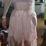je vends cette robe rose pale. Elle est neuve. Je l'avais achetée pour mon mariage civil mais mon chéri n'aime pas donc :-) Cest un 38 et je la vends CHF 80.