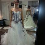 """Voila ma Robe modèle Alize du magasin """"les mariées de Cédrine"""" à Martigny. Super accueil, 2 vendeuses très sympa!!!"""