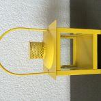 2x lanternes jaunes, 8.- / pièce.