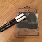 20 étiquettes avec ficelle et stylos blancs