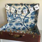 vieille valise pour les cartes à vendre