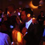 L'ouverture de bal dans la nuit avec des petits cierges pour (presque) chaque invité! Féérique...