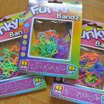 3 sachets de 12 bracelets pour enfants de formes diverses, 2.-/sachet + frais de port